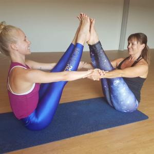 Yoga Liz och Malin